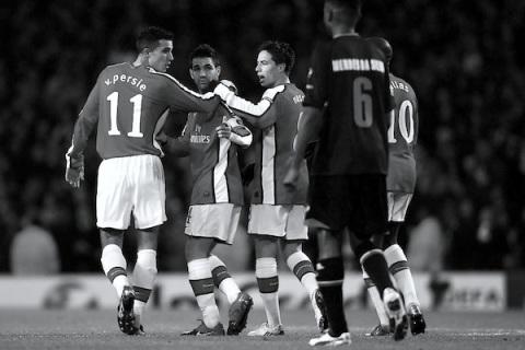Cesc Fabregas, Samir Nasri, Robin van Persie. Arsenal v. AZ Alkmaar. Champions League 2009. Arsenal v. AZ Alkmaar. Champions League 2009. Photo credit: Phil Cole/Getty Images Europe.